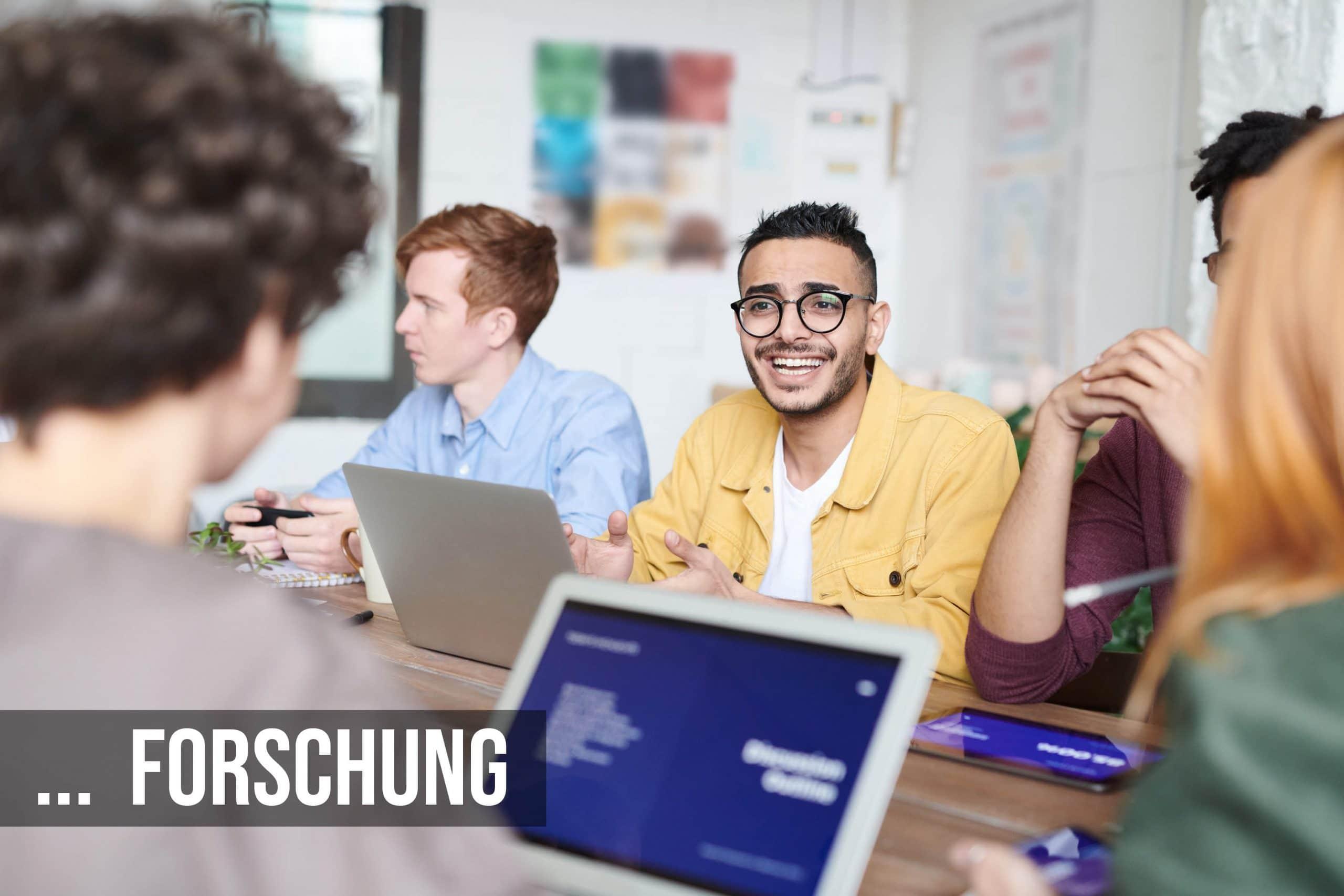 Forschung Mitarbeiter entwickeln gemeinsam Ideen